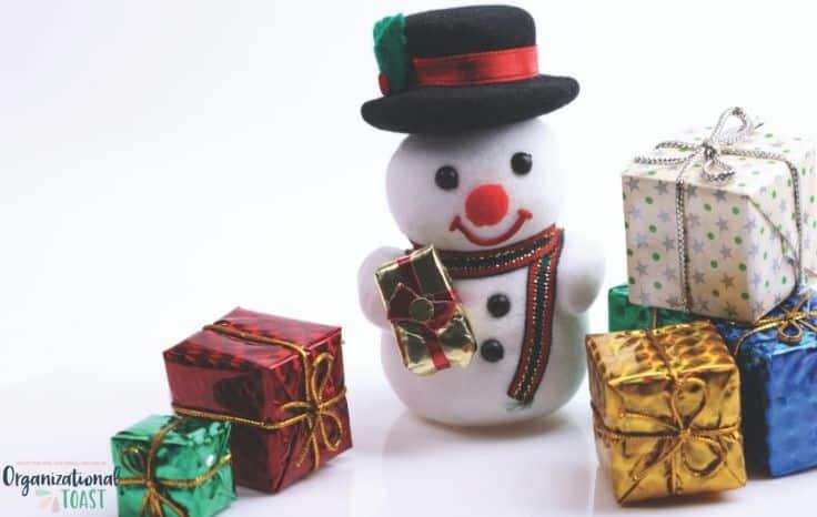 snow man and Chirstmas presents