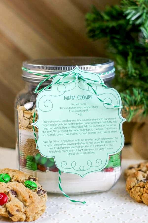 DIY Christmas M&M Cookie Mix in a Jar